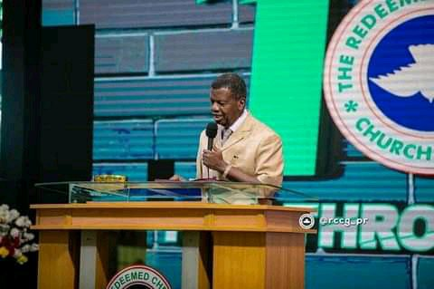 """""""No Place In The Bible Says That If You Wear Wig, You Won't Make Heaven"""", Pastor Adeboye Explains"""