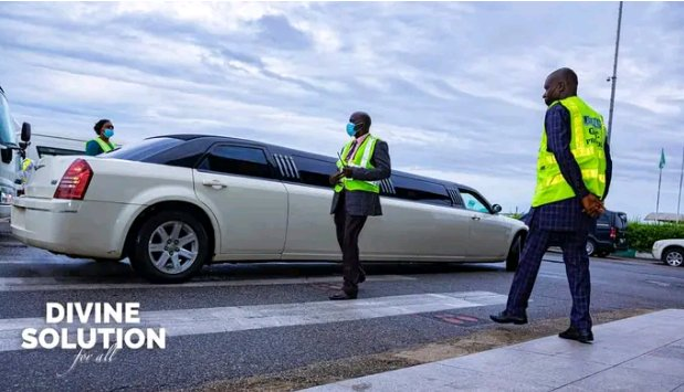 2 Things to learn as Deeper Life Founder, Pastor Kumuyi Arrives Abuja Crusade Ground in a Limousine