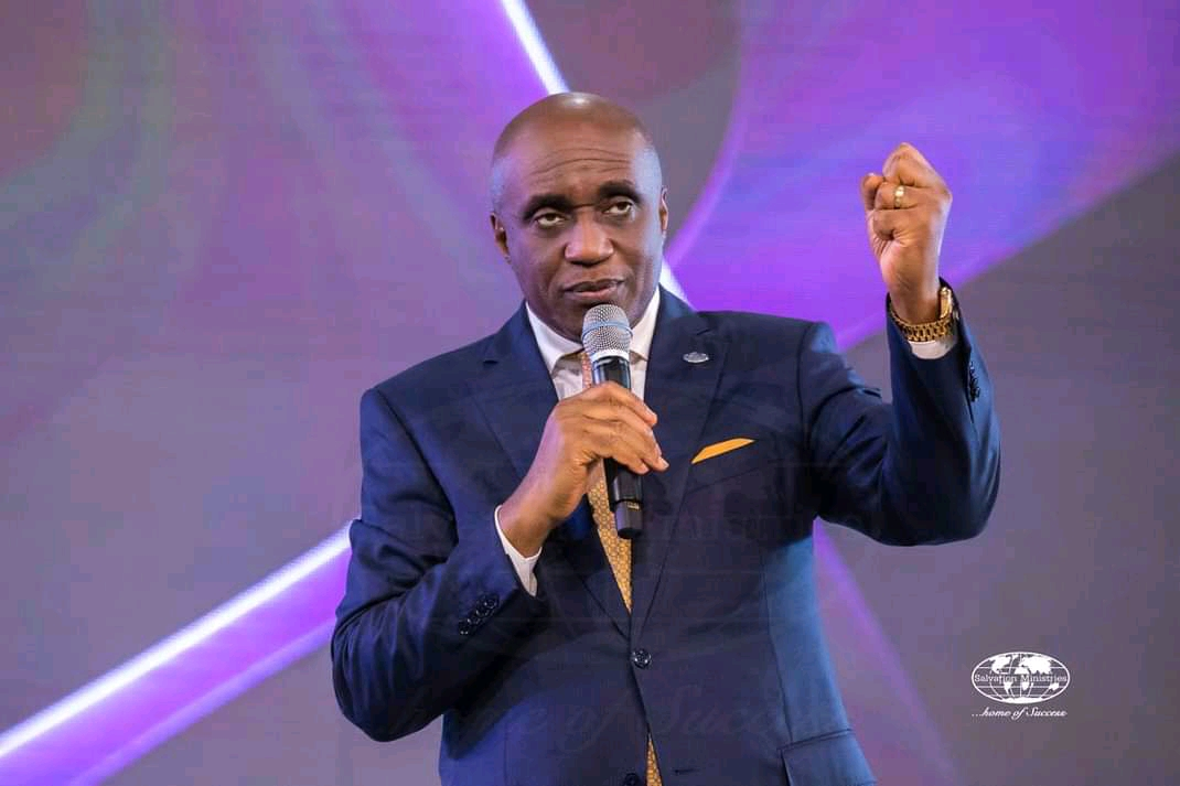 The Big difference between a Prophet and a Bush man – Pastor David Ibiyeomie