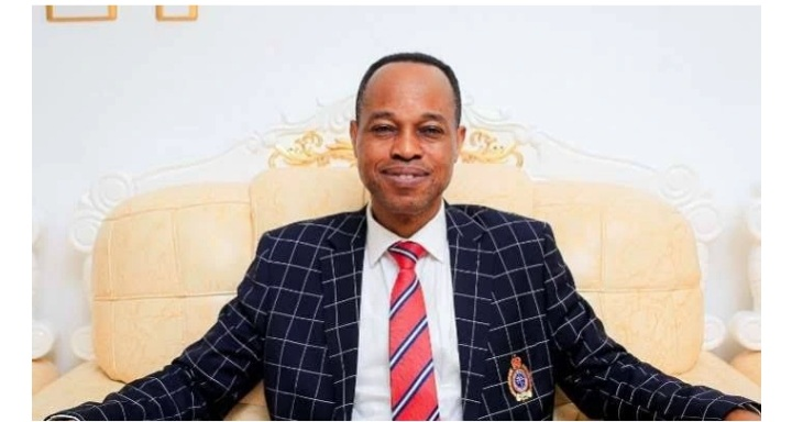 Amazing!  Meet Funsho Odesola, The RCCG Pastor That Has 6 PHDs, 4 Masters Degrees, And 4 First Degrees