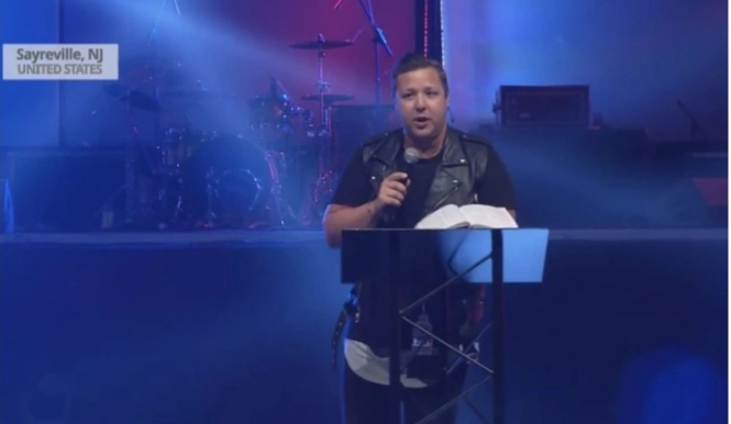 """""""Many times when we have a moment of pain, it makes us angry at God"""", Pain Is Not The Absence Of God, But It Is A Proof To This – Pastor Jabin Chavez"""