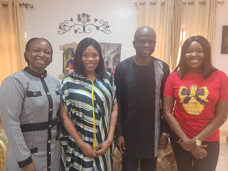 PHOTOS: A fan And Popular Actress, Abiola Bayo Surprised Evangelist Tope Alabi As She Celebrates Her 51st Birthday